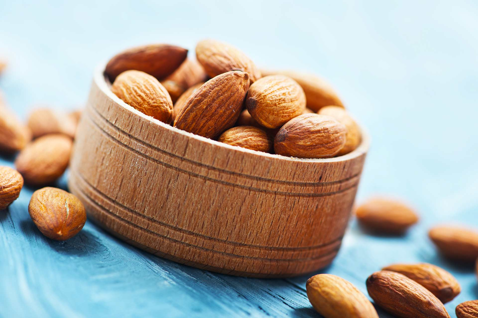 Almonds is essentially an edible seed from the Prunus Dulcis, known as the almond tree. They are native to the middle east but in recent years the US has become the world's largest producer. Almonds are tasty and can be found in almost every grocery store. 1. Almonds are packed with nutrients. A 28g (1oz) serving of almonds carries: - 3.5g of Fibre - 6g of protein - 14g of Fat (good fat that is) - Vitamin E- 37% of recommended daily dose - Manganese - 32% of Recommended daily dose - Magnesium – 20% of recommended daily dose They also contain vitamin b2, coper and phosphorus. 2. Almonds can assist with blood sugar control Almonds are low in carbs and high in healthy fats, protein and fiber. This combination works very well for people with diabetes. They also have high levels of magnesium and magnesium is a mineral that help control blood sugar levels. 3. Almonds can lower cholesterol levels. High LDL also known as bad cholesterol poses risk for Heart disease and the healthy fats in almonds help reduce LDL levels. A recent study found that a diet where 20% of calories came from Almonds lowered LDL cholesterol levels by an average of 12.4mg/dL.