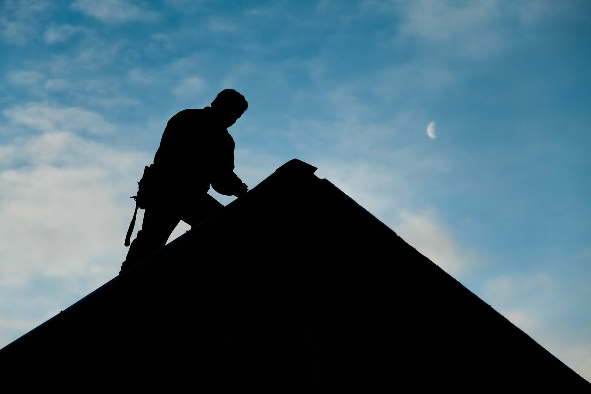 What Should I Look for When Hiring a Commercial Roofing Contractor?