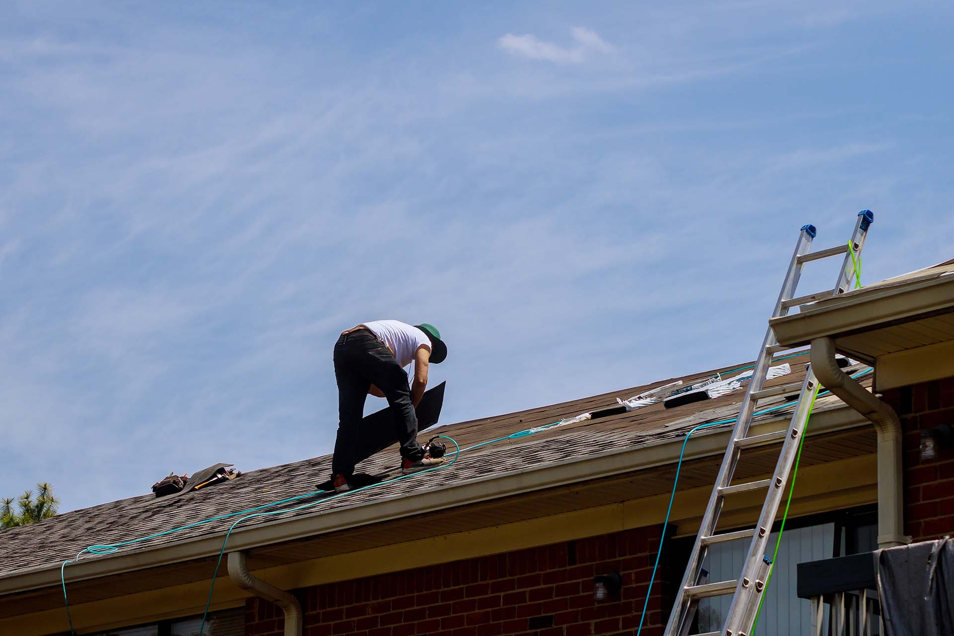 Top benefits of installing a new roof
