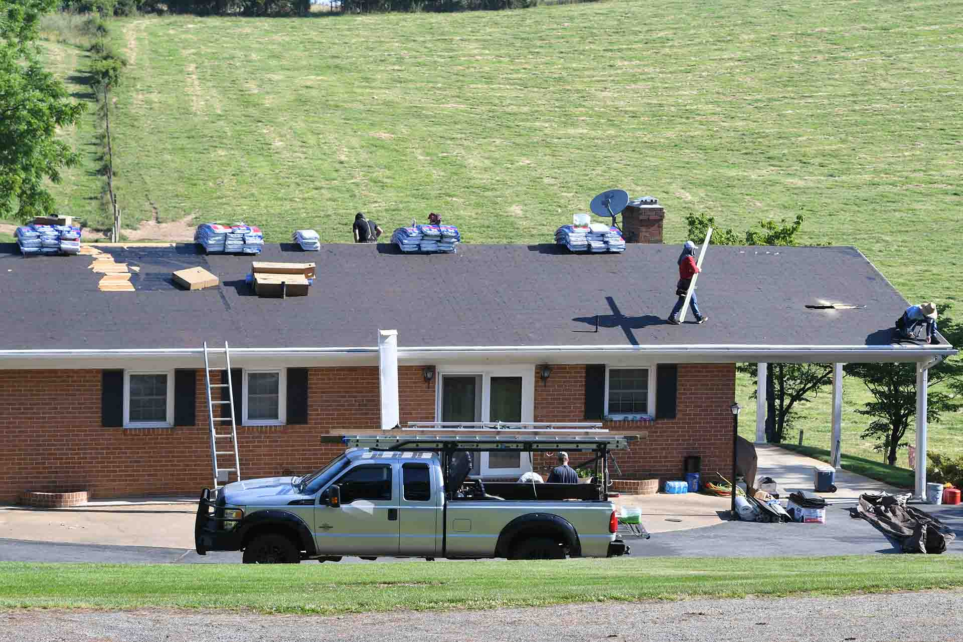 5 types of roofing shingles that boost property value