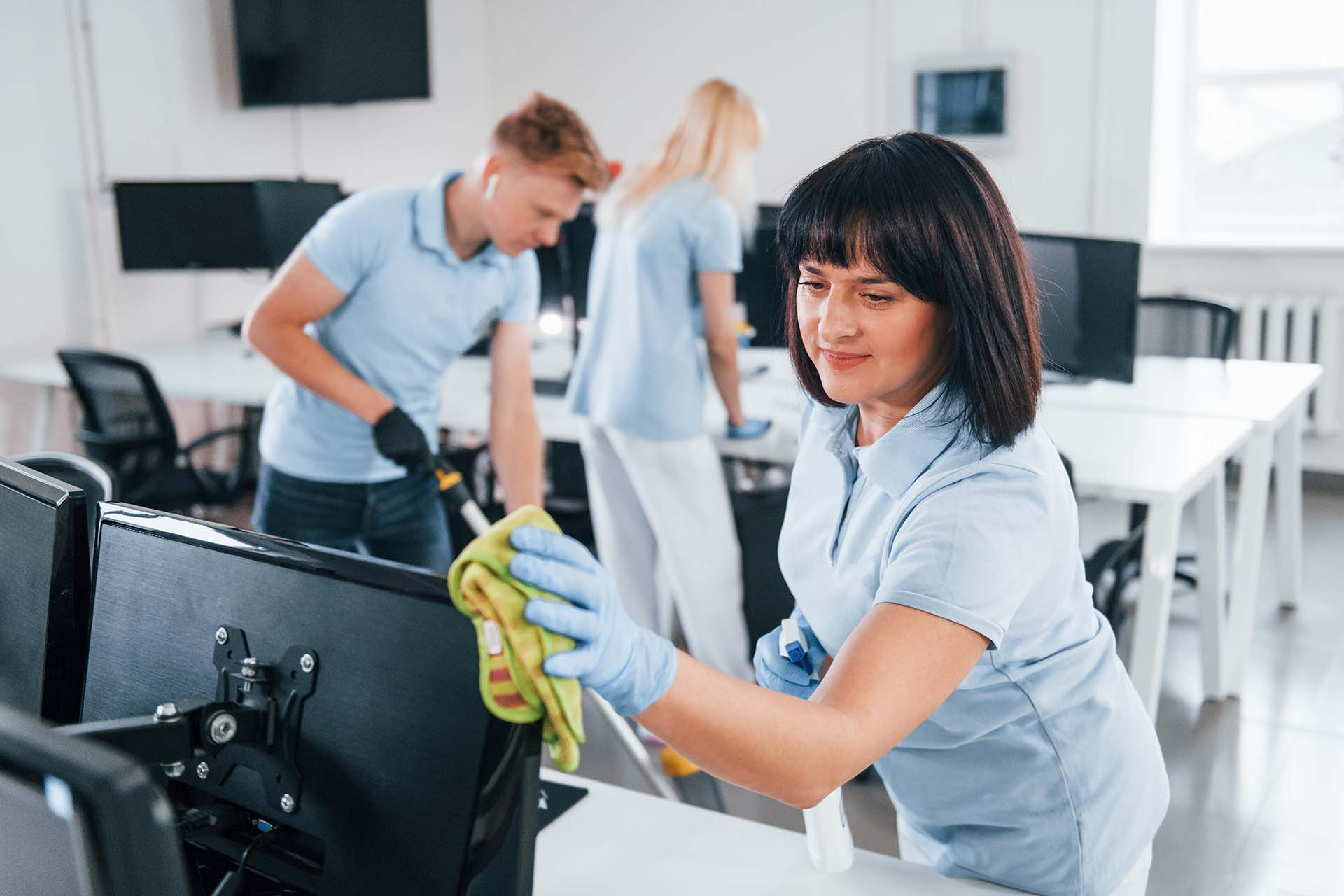5 reasons why a clean workplace is good for business